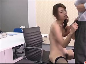 Maki Hojo awesome sequences of dazzling pornography at the office