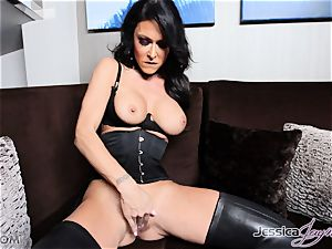 super hot brown-haired honey Jessica Jaymes messing with her snatch