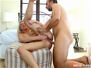 Anikka Albrite wants to be boinked deep in the arse by Keiran Lee