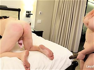 Leya ball rockets Sissy Jessica then humps his bootie