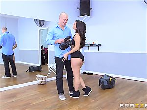 Smoking steamy dark haired Kelsi Monroe arched over and penetrated