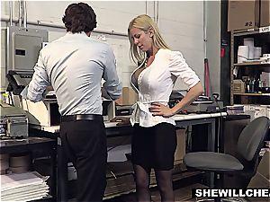 shag the boss!