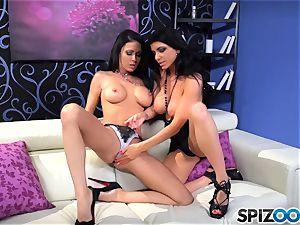 Jessica Jaymes and Romi Rain love to slurp on minge