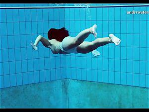 sizzling baps and clean-shaven vulva underwater