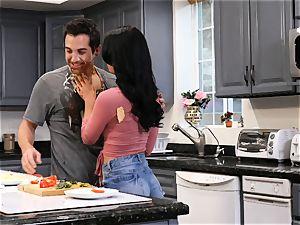 Gina Valentina likes filthy kitchen sex