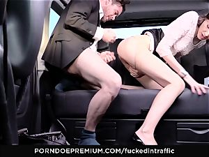 boinked IN TRAFFIC - Cowgirl shaft riding in the backseat