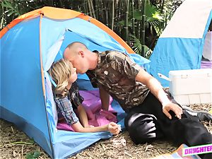 Alyssa Cole and Haley Reed exchange dads on their camping tour