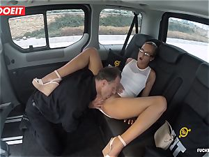 Czech client Vinna Reed gets plumbed in taxi