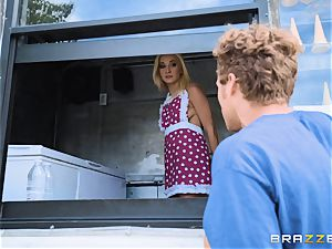 Ice splooge truck muff pound with Rosyln Belle