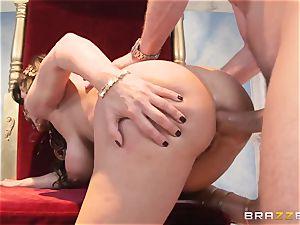 Divine mature Lisa Ann tests gigantic spunk-pump on Olympus