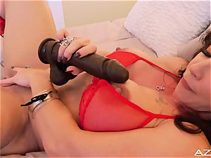 sport mother milf orgasms WITH big black faux-cock