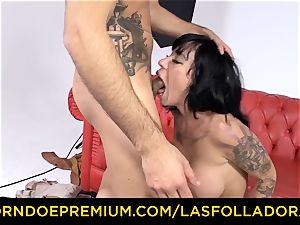 LAS FOLLADORAS - spectacular performer gets jism in mouth