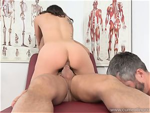 Jade Nile Has Her spouse suck rod and observe Her