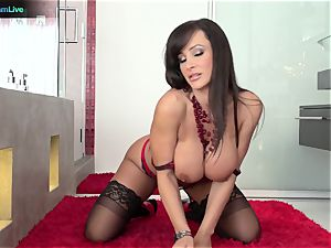 Lisa Ann has no problem getting her rear entrance pounded